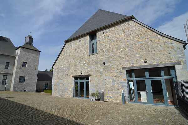 Manor house in Momignies