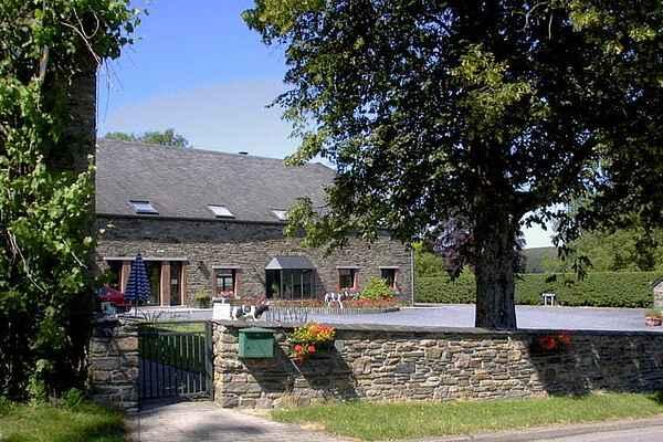 Farm house in Sainte-Ode