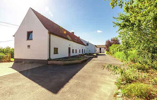 Farm house mh20585