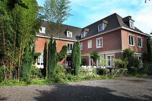 Manor house in Ruiselede