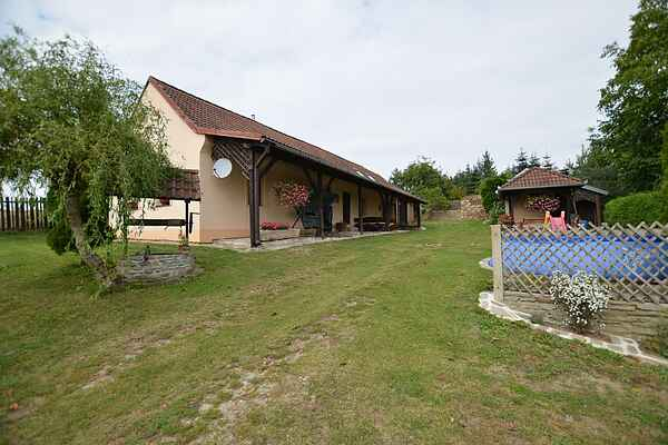 Holiday home in Dobřejovice
