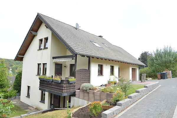 Holiday home in Niederehe