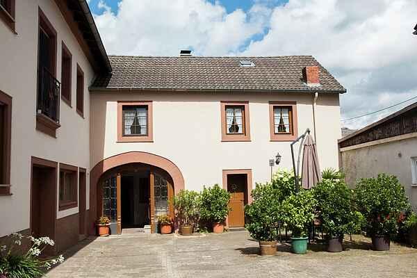 Farm house in Gindorf