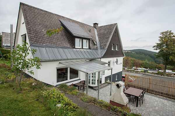 Holiday home in Neuastenberg
