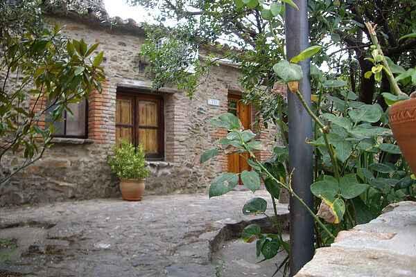 Farm house in Valencia de Alcántara