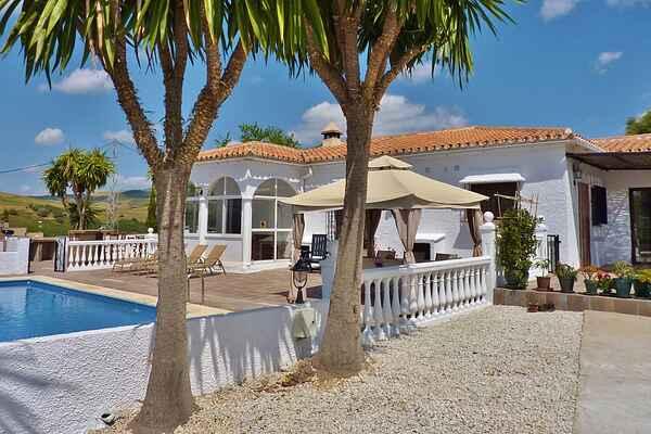 Villa i Almogía