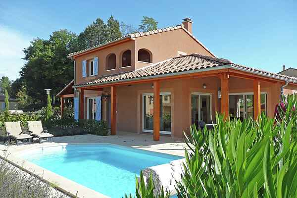 Villa in Salavas