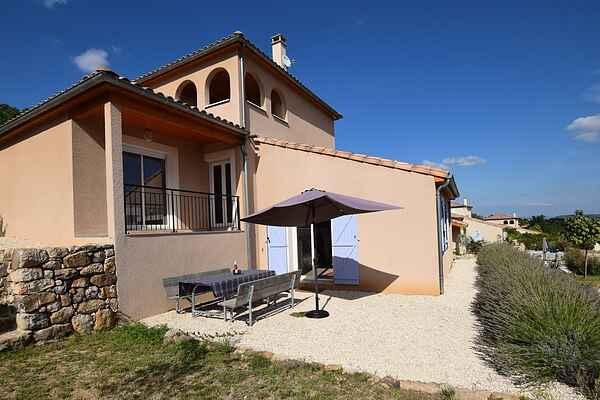 Villa in Saint-Mélany