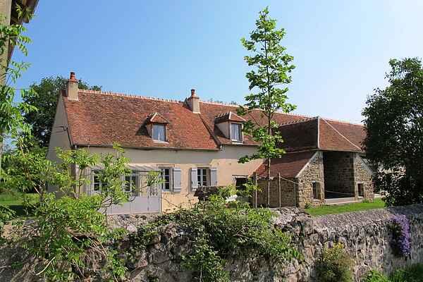 Gårdhus i Ainay-le-Château