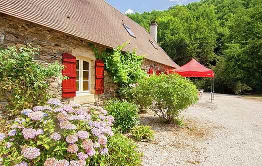 Cottage mh24776