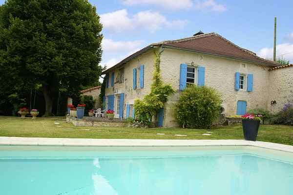 Holiday home in Verteillac