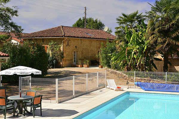 Villa in Estang