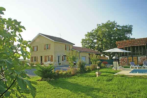 Holiday home in Aignan