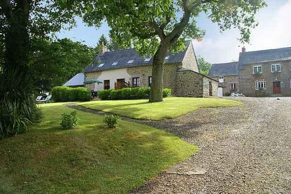 Holiday home in Saint-Léger-des-Prés