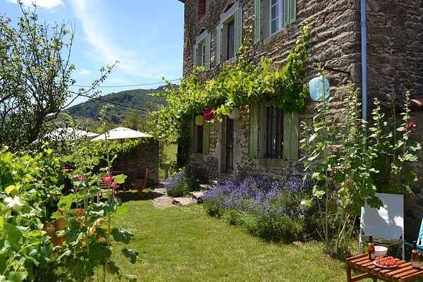 Holiday home in Villeneuve-d'Allier