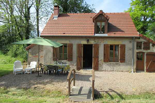 Holiday home in Moulins-Engilbert