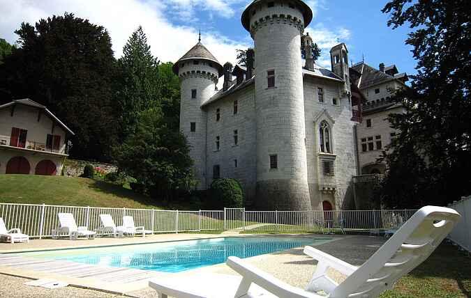 Castle mh26004
