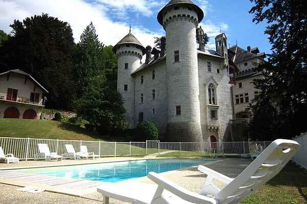 Castle in Serrières-en-Chautagne