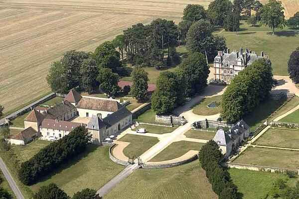 Castle in Lizy-sur-Ourcq