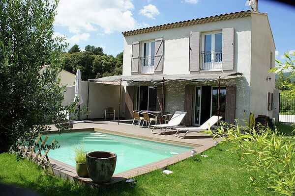 Holiday home in La Tour-d'Aigues