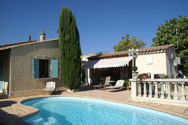 Holiday home in L'Isle-sur-la-Sorgue