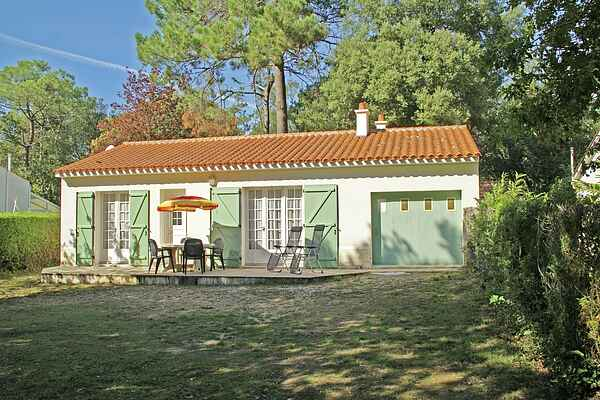 Holiday home in Saint-Vincent-sur-Jard