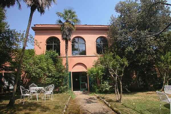 Farm house in Carmignano