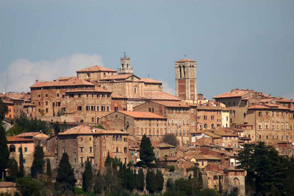 Casa nel villaggio di Montepulciano da acquistare