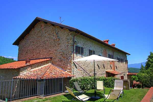Manor house in Ortignano