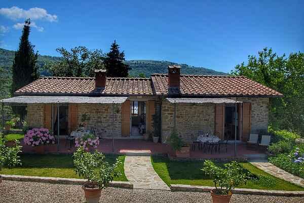 Farm house in Loro Ciuffenna