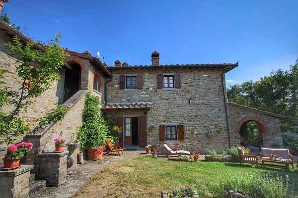 Farm house in Cortona