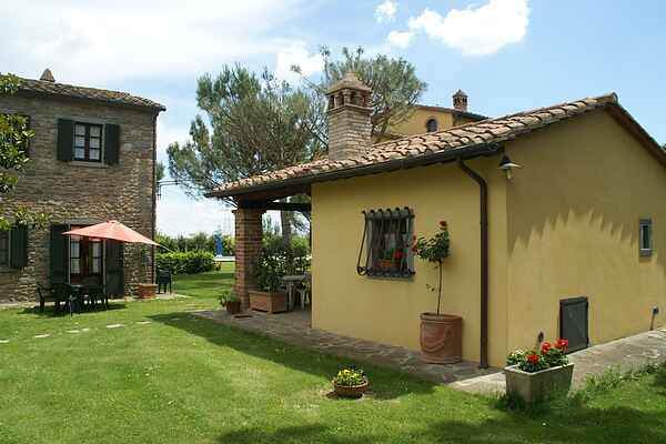 Cottage in Camucia