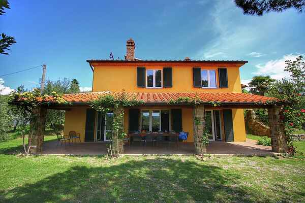 Holiday home in Lucignano