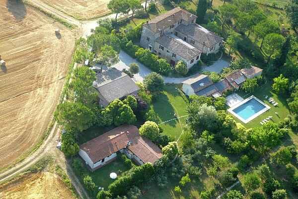 Farm house in Asciano