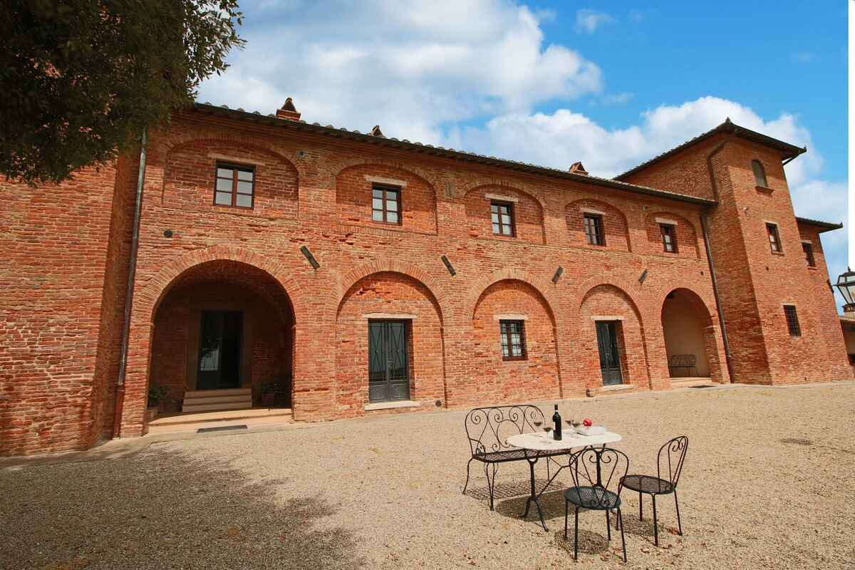 How to remove the bungalow in Montepulciano