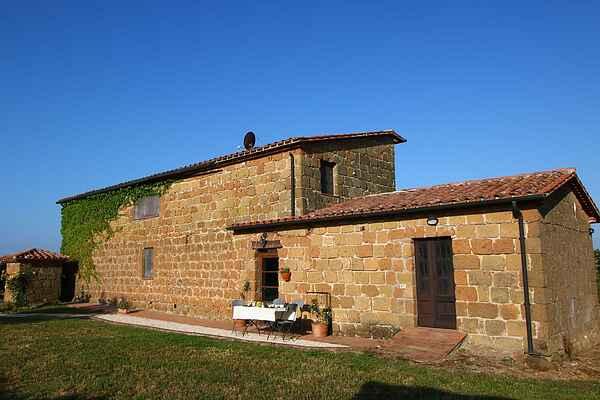 Farm house in Sorano