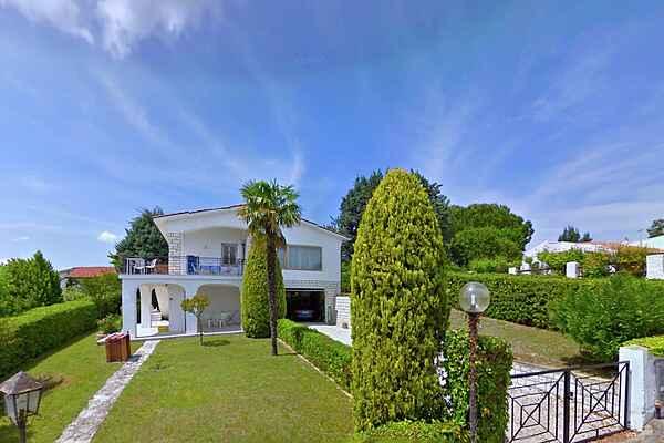 Villa in Villaggio Taunus