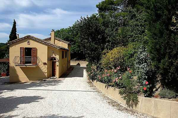 Gårdhus i Montecarotto