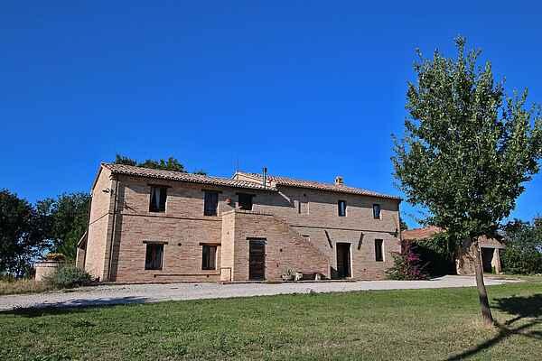 Manor house in Appignano