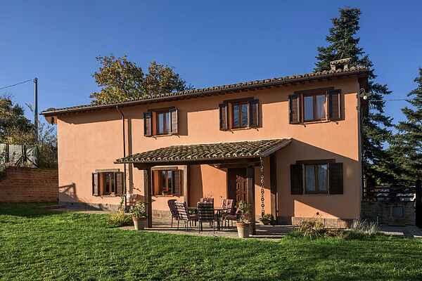 Villa i Pievebovigliana