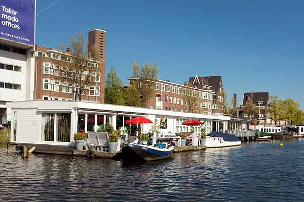 Houseboat in Amsterdam-Zuid