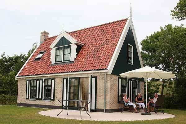 Villa in Hippolytushoef