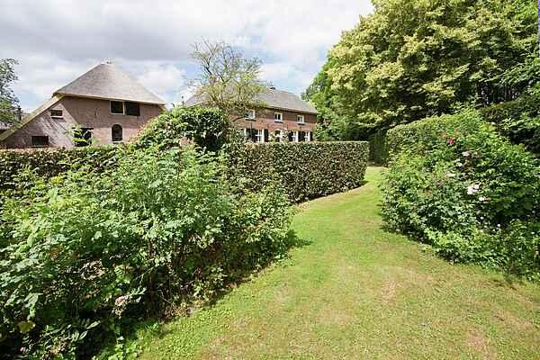 Farm house in Zoelen