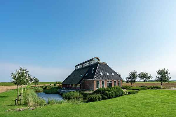 Farm house in Nes Gem Dongeradeel