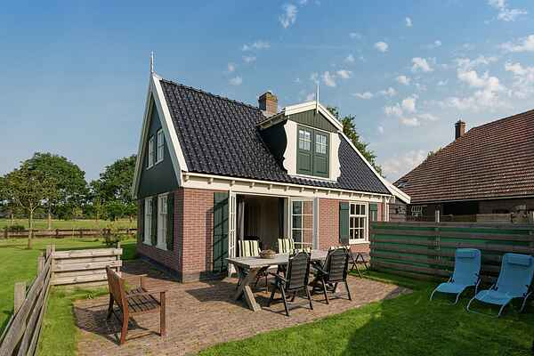 Holiday home in Hippolytushoef
