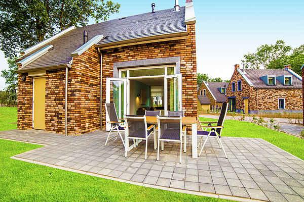 Holiday home in Dousberg-Hazendans