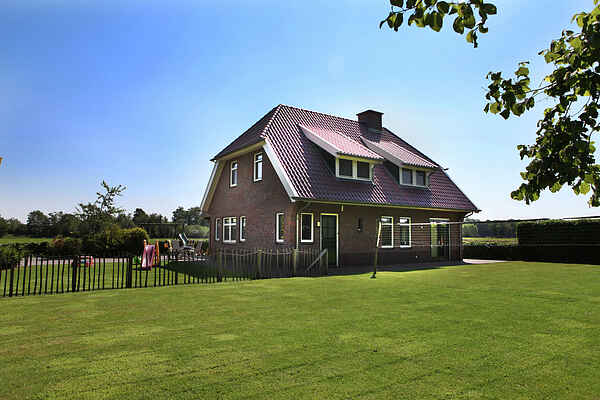 Farm house in Neede