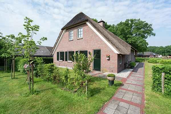 Farm house in Rheeze
