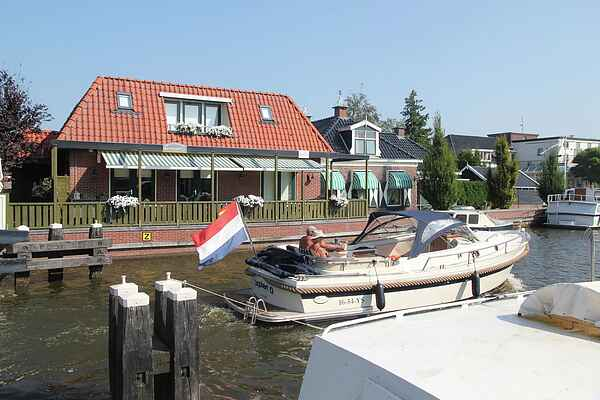Holiday home in Delfstrahuizen