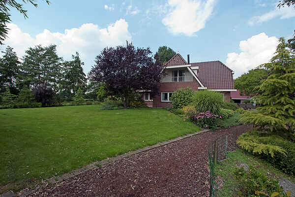 Manor house in De Tike